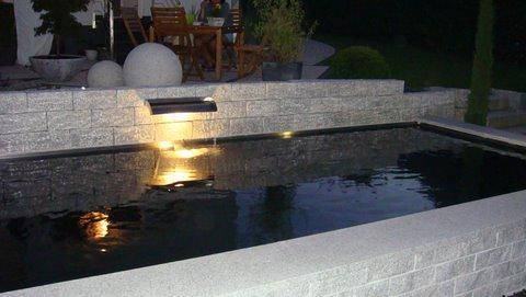 Le larmier alimente le bassin même la nuit