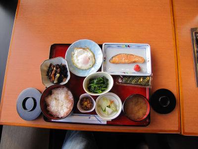 Le petit déjeuner japonais